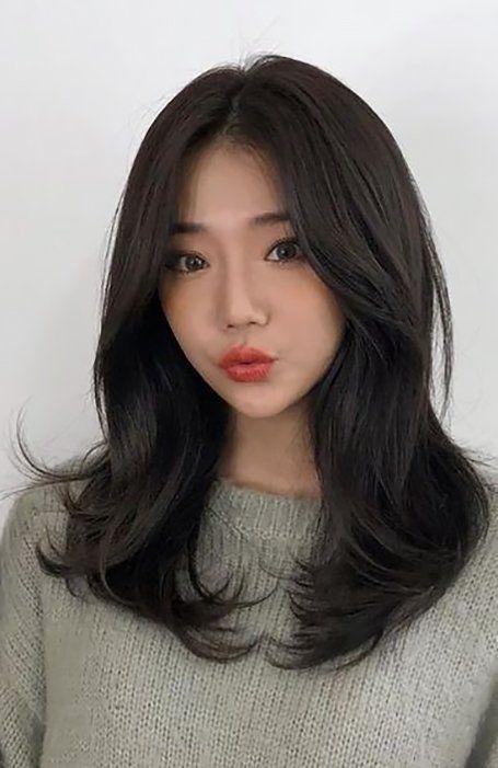 25 Stunning Long Layered Hairstyles For Women In 2021 Medium Hair Styles Bangs With Medium Hair Haircuts Straight Hair