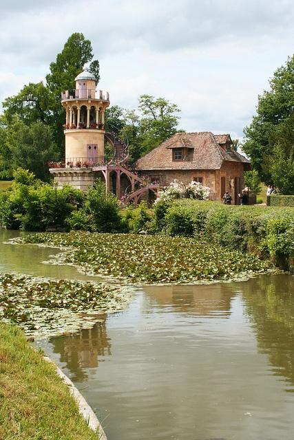 17 best ideas about petit trianon versailles on pinterest for Jardin anglais du petit trianon