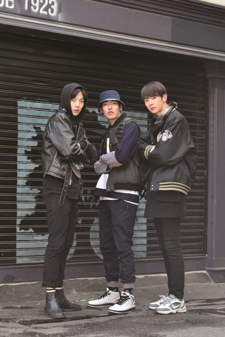 <BACK TO 90'S STREET FASHION in Seoul>  No need to say more. coolness, period. www.habstore.com