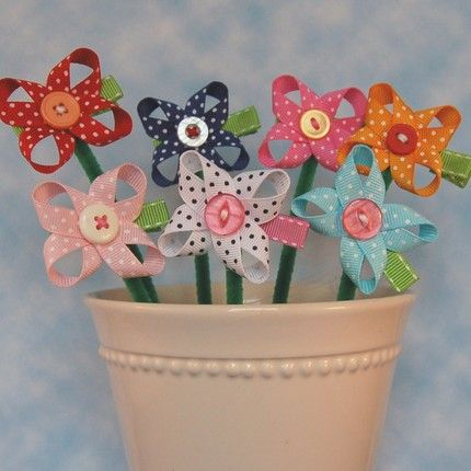 If you're looking for party favor ideas for a little girl's birthday party handmade bows are sure to be a hit.