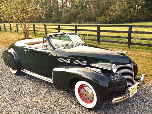 Chrome Nirvana: 1940 Cadillac Series 62 Convertible #1949cadillacconvertibleclassiccars