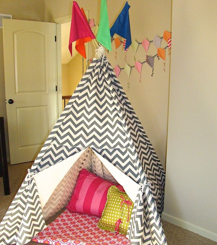 #DIY children's tent for the playroom - #chevron: Diy Children, Linens Rooms, Children Tent, Kids Stuff, Chevron Kids Rooms, Apartment Therapy, Raspberries Linens, Kids Hideout, Kites Garlands