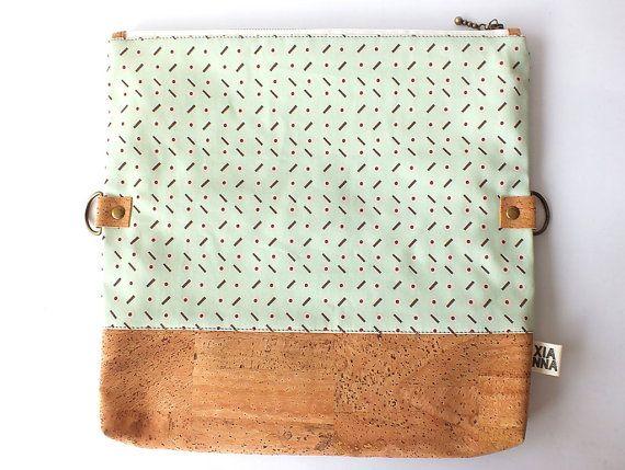 Clutch corcho y algodón orgánico Licorice por xiannashop en Etsy