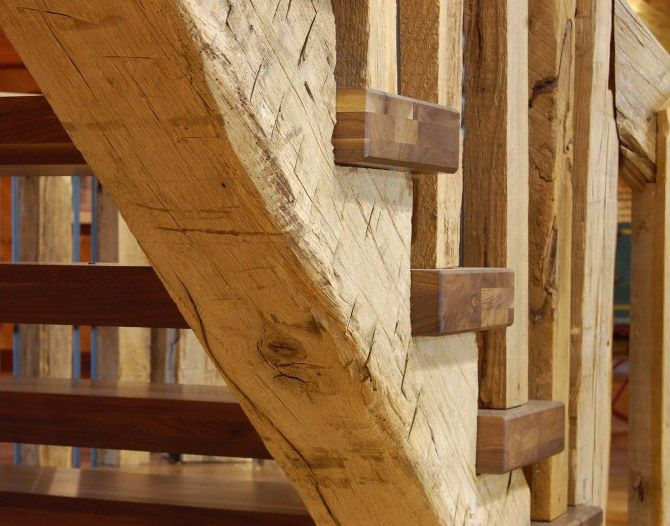 Old barn beam new stairs escaliers stears for Where to buy old barn wood