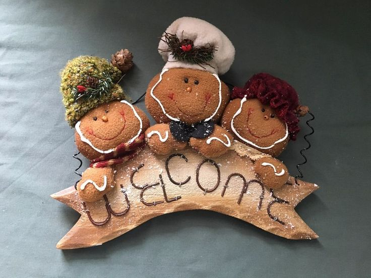 Holiday Christmas Gingerbread Men Welcome Sign