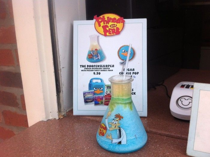 The Six Best Souvenir Cups at Walt Disney World - Click this pin for this great information from the TouringPlans blog. Get four free Disney vacation planning e-guides when you subscribe to our newsletter at http://www.buildabettermousetrip.com/disney-freebies/