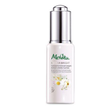 Le concentré Melvita associe un complexe de 5 Fleurs Blanches* aux propriétés illuminantes à un extrait vég&eacute