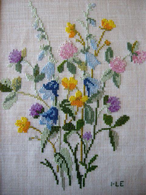 Queenie's Needlework: embroidery