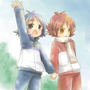 Pensei que eram duas meninas. Affs. Atsuya Fubuki - Desciclopédia.Os dois irmãozinhos (notem que Atsuya não esta gostando nenhum pouco desse momento). além de Atsuya nascer com olhos amarelados e Shirou com olhos cinza, e também o cabelo de Atsuya era levantado e o de Shirou era abaixado. Ehhh!