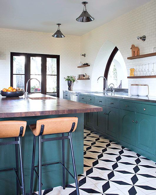 black and white floor tile kitchen. black and white patterned tile make the whole kitchen decor Best 25  White floor tiles ideas on Pinterest Tile