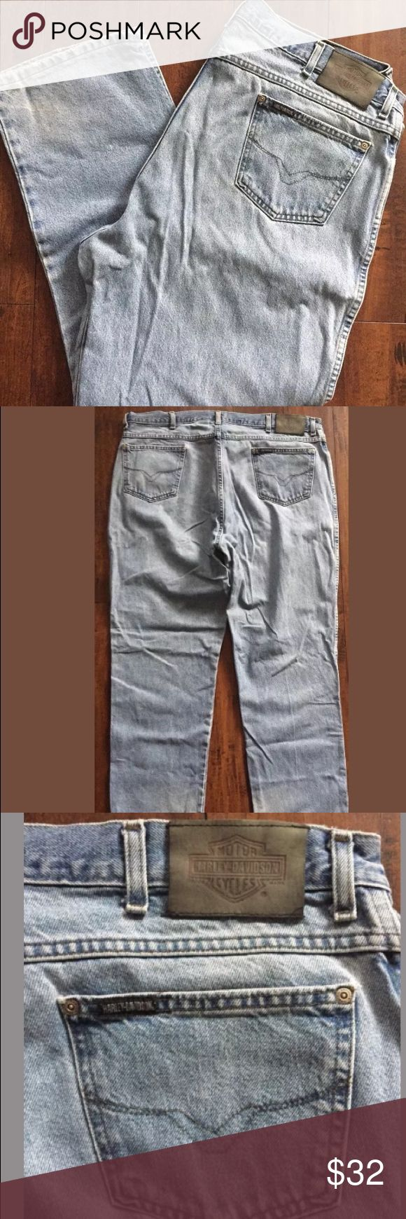 """MENS HARLEY DAVIDSON JEANS 42 x 32 DENIM JEANS MENS HARLEY DAVIDSON JEANS SIZE 42 x 32, LIGHT WASH DENIM JEANS, 100% COTTON, MADE IN USA, RELAX FIT, IN GOOD USED CONDITION  MEASUREMENTS LAYING FLAT:  WAIST 42""""  INSEAM 32""""  WILL SHIP FAST AND PRIORITY MAIL!! Harley-Davidson Jeans"""