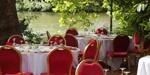 Le Chalet de la porte Jaune dans le bois de Vincennes. Pensez à booker bien avant quand il faut beau !