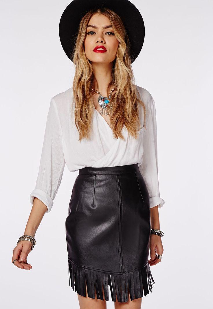Missguided - Mini-jupe à franges en similicuir noir