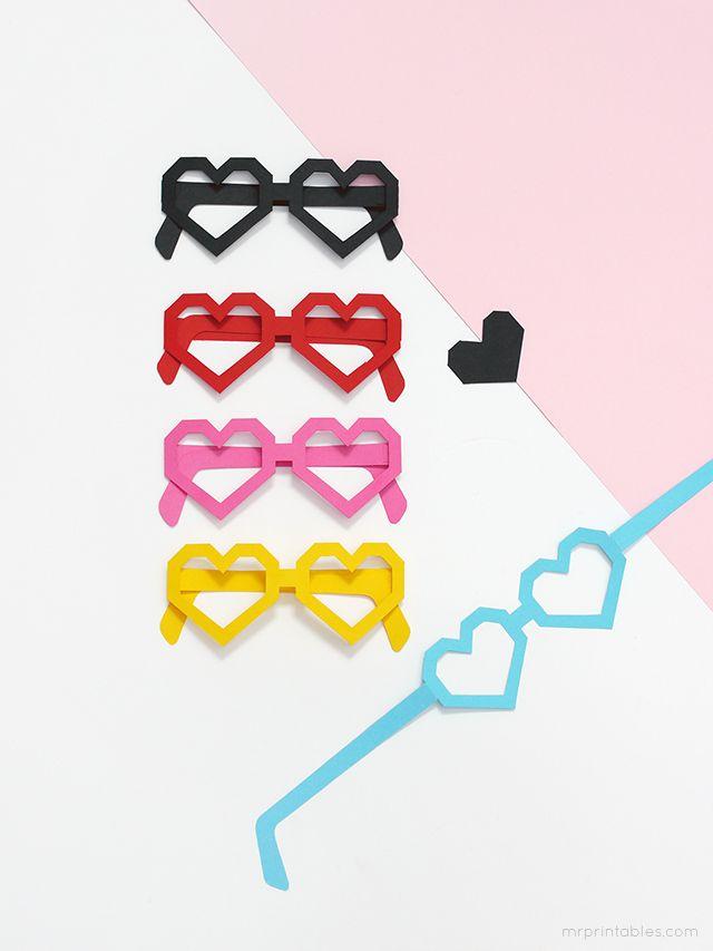 El Día de los Enamorados, 14 de febrero, es una fecha para la que puedes crear un sinfín de manualidades con motivos que se basan, cómo no, en un símbolo: el corazón. Aquí tres manualidades muy fáciles. #MWMaterialsWorld #SanValentin2015 #manualidadesSanValentin