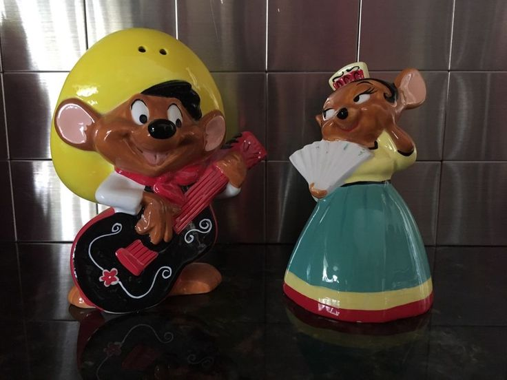 Speedy Gonzales & Carmen Lopez Salt & Pepper Shakers Looney Tunes Warner Bros