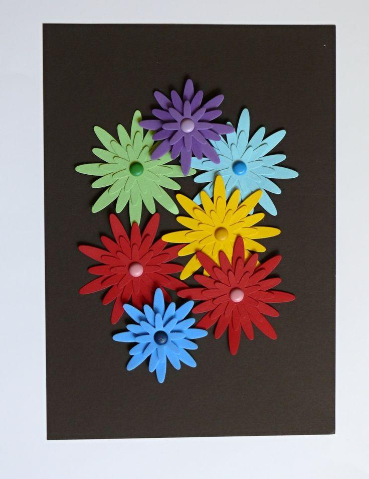 Obrázek+květinky+Obrázek+květinky+má+rozměr+A4,+květinky+jsou+vyrobené+z+kvalitního+pevného+kartonu+gramáže+220+gsm+a+pěnové+gumy+(pěnovky),+podklad+je+hnědý+karton+gramáž+300+gsm+-+je+pevný+drží+tvar+sám+o+sobě,+takže+můžete+zavěsit+jen+tak+na+zeď+bez+rámování.+Květinky+jsou+veliké+6,5+a+8,7+cm.+Můžete+si+zarámovat+podle+vašeho+přání.+Rámeček+není+...