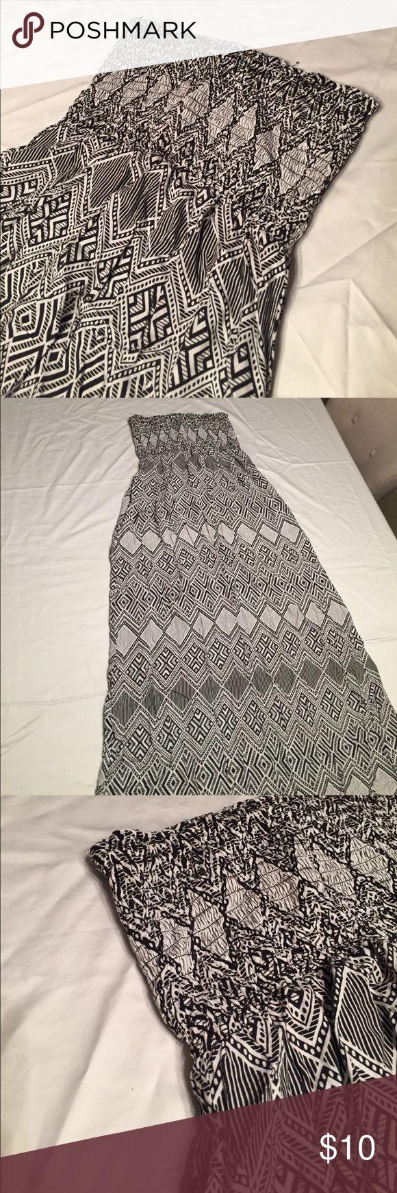 Black and white boho maxi dress Black and white boho maxi dress Dresses Maxi