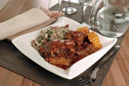 Este Frango com molho de pimenta rosa é uma opção fácil e deliciosa para as refeições diárias. Todos que provarem vão adorar!