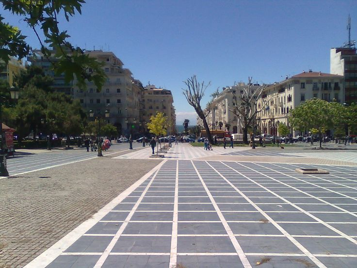 Square Aristotelous. The central and largest square of Thessaloniki