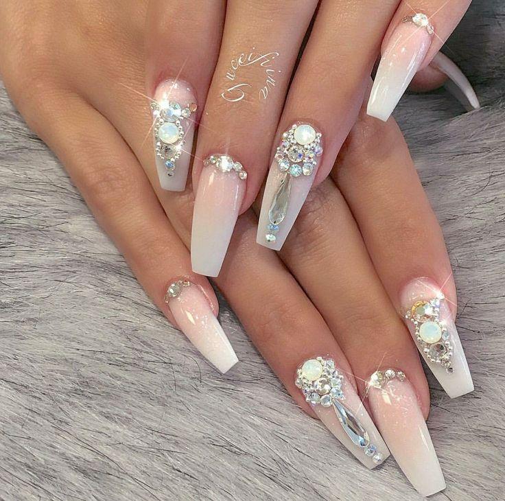 Nail Art. ..Beautiful nageldesign schlicht
