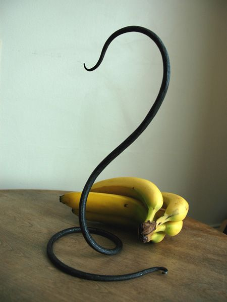 Poke something hot and hang your banana | Dick's Workshop