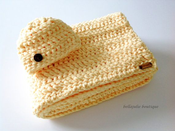 Chunky Crochet Baby Blanket and Hat Set by BellaJulieBoutique