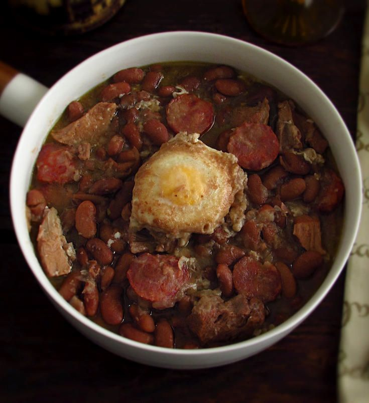 Stewed beans with poached eggs | Food From Portugal. Want a hot recipe for a cold winter day? Look no further, Stewed beans with poached egg is the perfect solution…