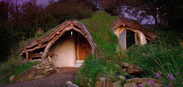 Man builds stunning 'hobbit house' for just £3,000 - Yahoo! Finance UK  I want this sooo bad. I have always wanted a house like this. Think I can pay this guy to make me one?