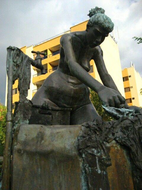 Monumento a la lavandera NEIVA