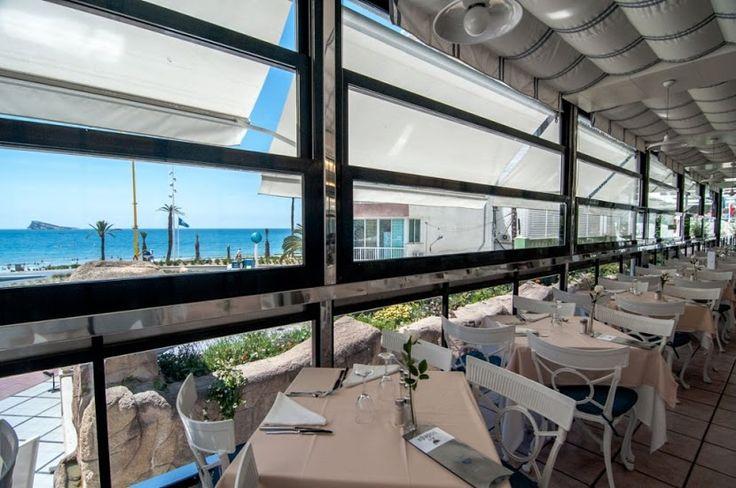 Vistas a la Isla de Benidorm desde el comedor del Hotel RH Corona del Mar