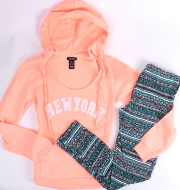 #nyc #hoodieStyle, Fabulous Fashion, Around The House, Outfitsdream Closets, Pink Clothing, Nyc Hoodie, New York, Nyc Neon, Dreams Closets