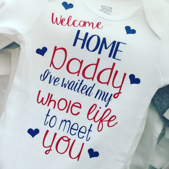 Is your baby meeting their daddy for the first time?! This is perfect! Probably my favorite item in the shop now! You can customize this in any color. Colors shown: red and blue. Dont like the dont? We can change that too