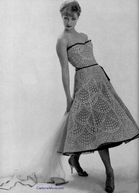 Chanel Haute Couture, Spring 1957. Couture Allure Vintage Fashion