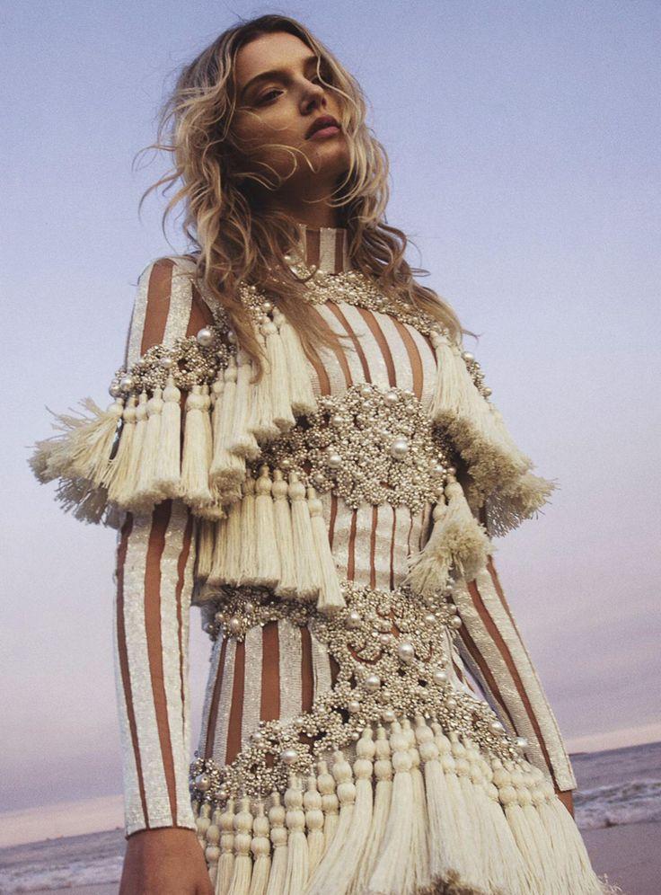 Vogue Australia September 2016 Lily Donaldson by Sebastian Kim-2 || @sommerswim
