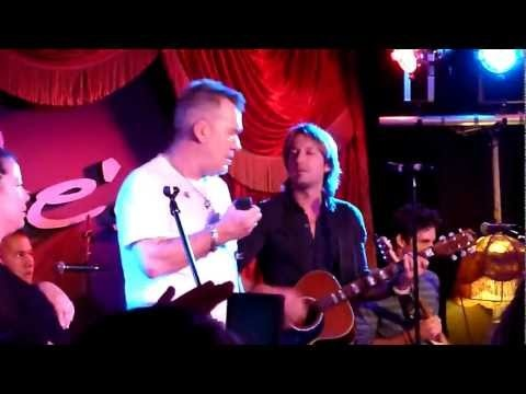 Before The Next Teardrop Falls - Jimmy Barnes and Keith Urban - Lizottes - 6-6-12   http://pintubest.com