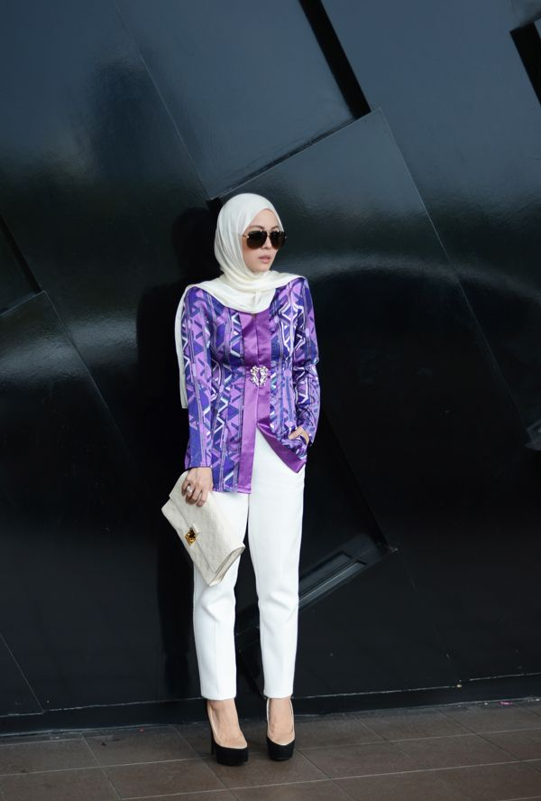 Vivy Yusof : Topshop pants + Louis Vuitton clutch + Zanotti shoes