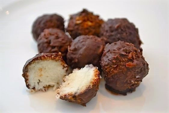 These little beauties make a great after-dinner treat and are sure to impress. They are a nutritious recreation of the original bounty bar. Not only do they taste great, but they are easy to make too.