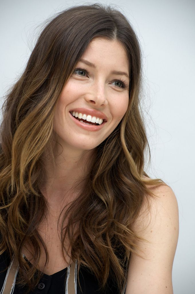 Actress Jessica Biel, who is expecting her first child with Justin Timberlake, is sourcing organic produce from local farms to maintain a balanced diet.