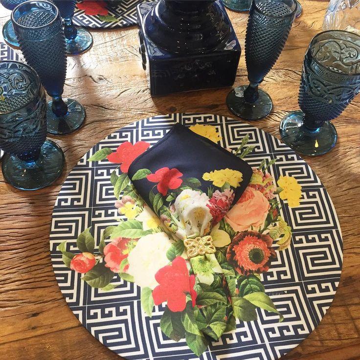 Hoje é dia de almoço em família e mesa cheia de AMOR ❤️ #afagohome #muitoAmor #amamos #NewsNaLoja #amordemesa #mesaposta #home #souplast  Vendas na Afago a Aleixo e na loja ONLINE ✨