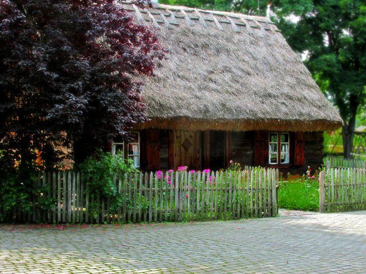 Old cottage by Grzegorz Adamski on 500px