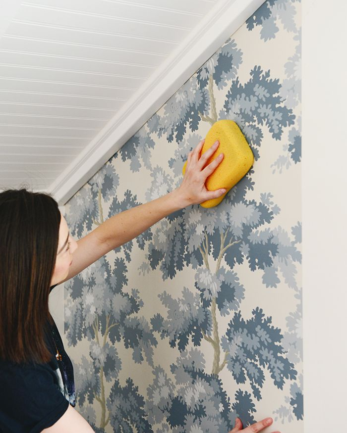 How To Wallpaper Using The Paste The Wall Method Diy Wallpaper Homemade Wallpaper Wallpaper Project