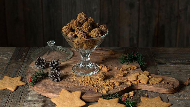 Trøfler hører julen til. Og med pepperkakesmak blir det ekstra god julestemning.