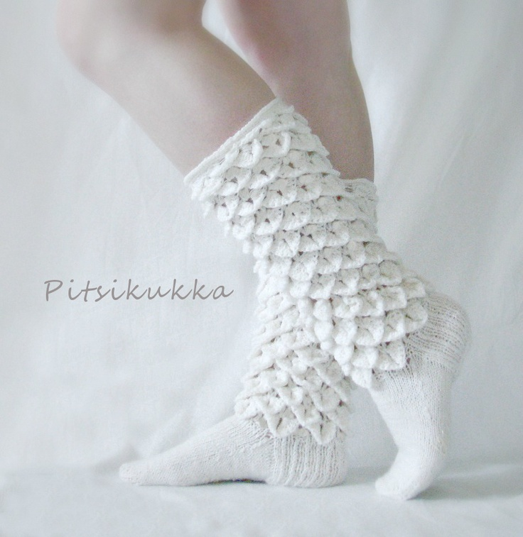 Crocodile stitch socks