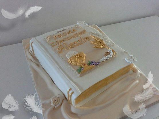 torta prima comunione libro
