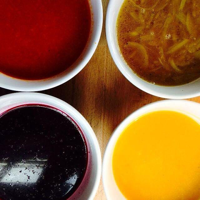 Zupka dyniowa, cebulowa, ogórkowa oraz barszczyk #letarg #letargbistro #soup #barszcz #rosol #pumpkinsoup #pumpkin #cucumber #cucumbersoup #eat #eating #yum #healthy #foodporn #instafood #foodgasm #cook #cooking #yumyum #poznan #restaurant #color #colors #dish #dishes #instadaily