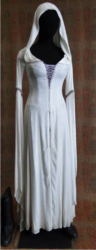 Confessor's Dress - Sword of Truth Series by Terry Goodkind Regalos Para Mujeres https://twitter.com/RegalosyMujeres