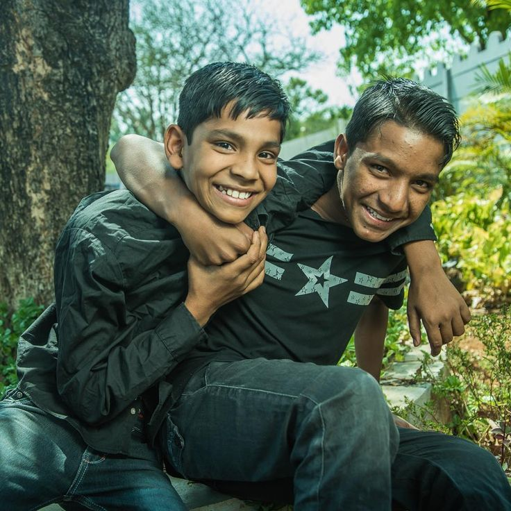 Raj & Abhishek from ESR Home, Igatpuri. . #travelgram #travel #expedition #insta_maharashtra #portrait #portrait_page #makeportraits #smile #love #cute #kids #tropical #humanitarian #asia #asian #wanderlust #wander #nomad #adventure #child #happiness #hope #mypixeldiary #summer #photojournalist #photoshoot #photographers_of_india #light #pixlr #conceptual http://tipsrazzi.com/ipost/1508462293926313496/?code=BTvInbSjH4Y