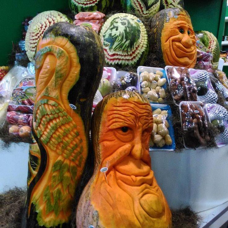 Esculturas em melancias abóboras e legumes na APAS 2017. #abussolaquebrada #viagem #apas #viajar #saopaulo #travel #sampa #traveler #business