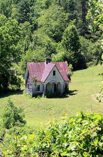 Sweet Tiny American Gothic in a beautiful meadow....Old Farm House Sitting In The Valley. Bryson City, NC. Viewable from Great Smokey Mountain Train