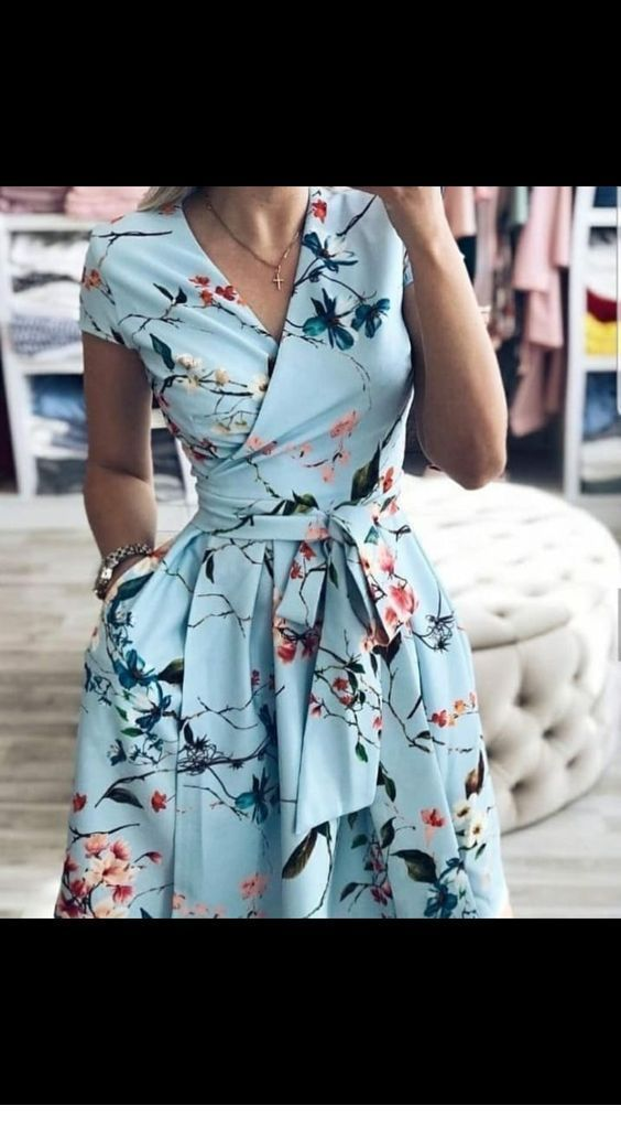 Schönes blaues Blumenkleid | Inspirierende Damen – #blaues #Blumenkleid #Damen …